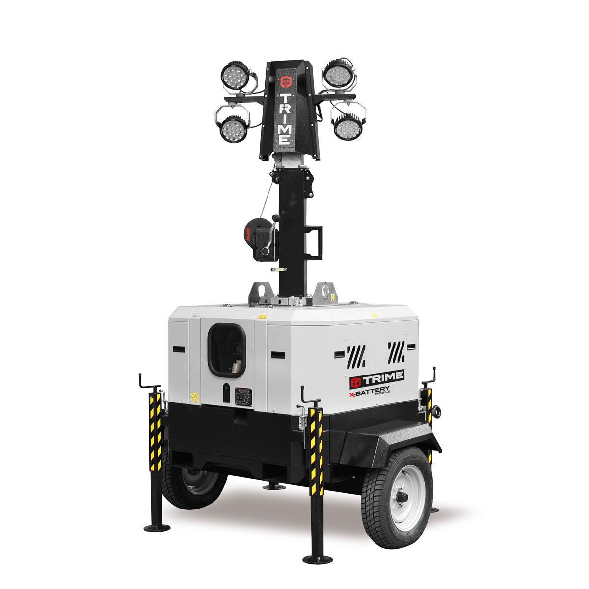 mobilais-prozektoru-masts-led-x-battery-4x90W-salikta-pozicija