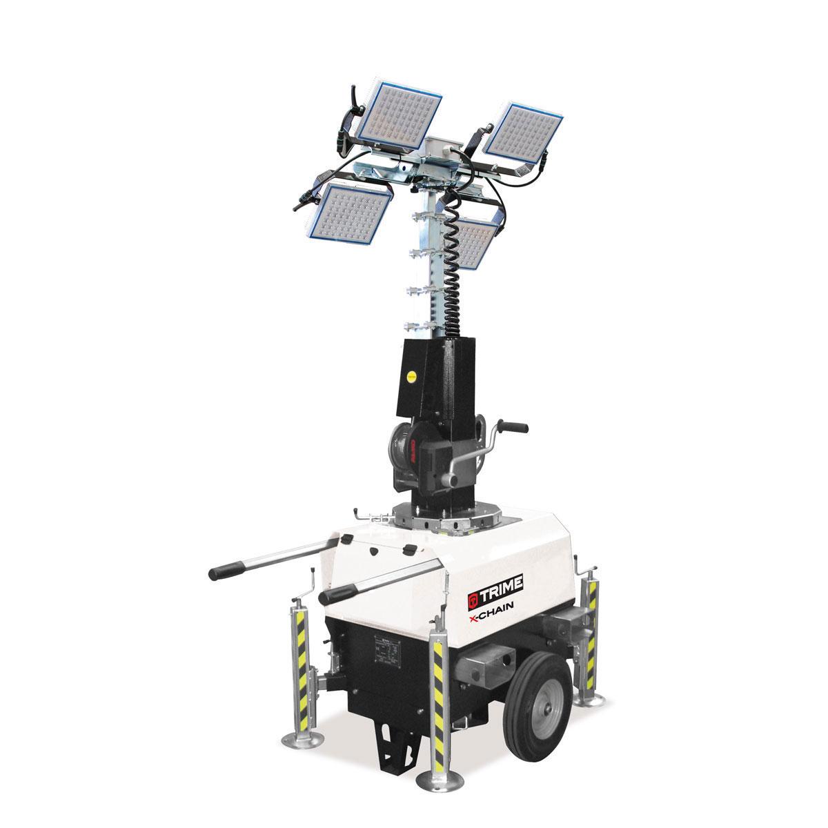 prozektoru-masts-led-x-chain-4x150W-salikta-pozicija