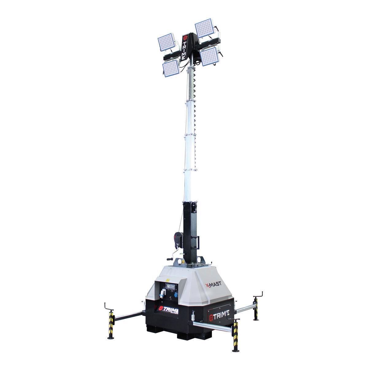prozektoru-masts-led-x-mast-4x150W-atverta-pozicija